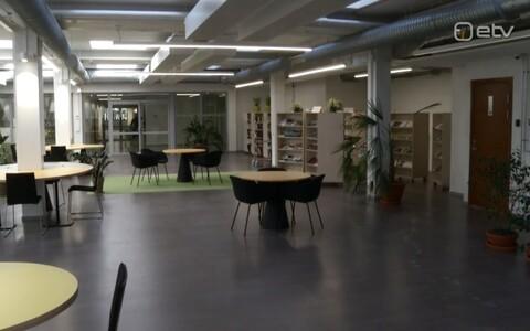 Osaliselt uuenenud Tartu Ülikooli raamatukogu.