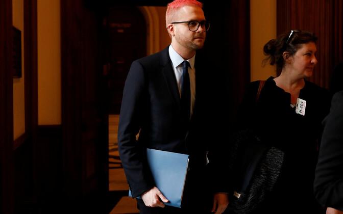 Christopher Wylie saabumas kohtumisele USA esindajatekoja luurekomitee demokraatidest liikmetega.