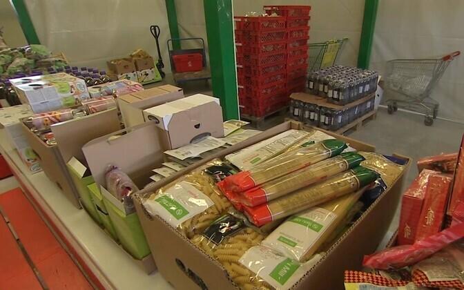 Собранные в рамках акции Продуктового банка продукты.