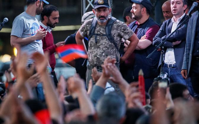 Armeenia opositsioonipoliitik Nikol Pašinjan meeleavaldusel.