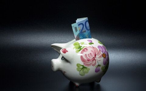 Abolition of the pension system second pillar has been the subject of debate for some time (picture is illustrative).