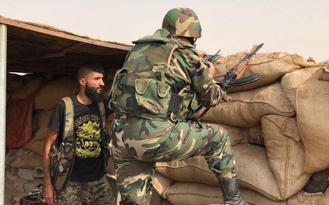 Süüria valitsusväe võitlejad Deir Ezzori provintsis 2017. aastal.
