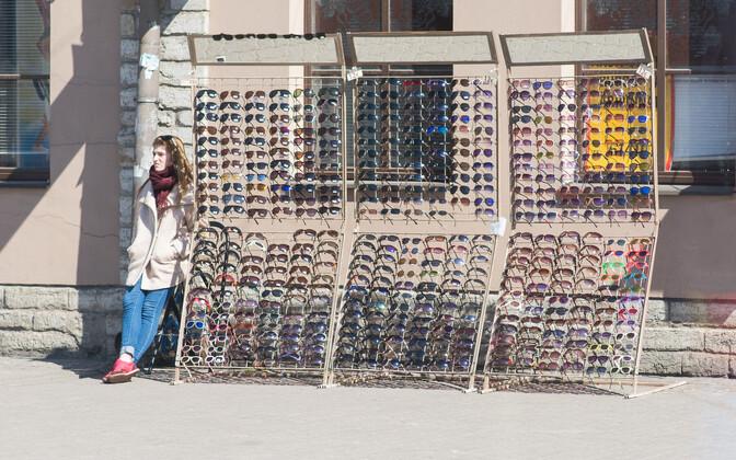В уличной торговле зафиксировали сокращение выручки.