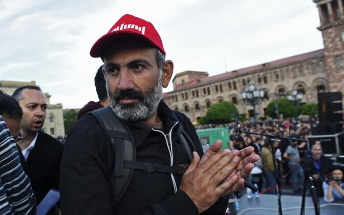 Nikol Pašinjan 29. aprillil Jerevanis meeleavaldusel.