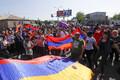 Жители армянского села Паракар перекрыли автотрассу, ведущую из Еревана в международный аэропорт