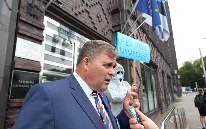 Перед выборами Райво Аэг был кандидатом в мэры Таллинна от IRL.