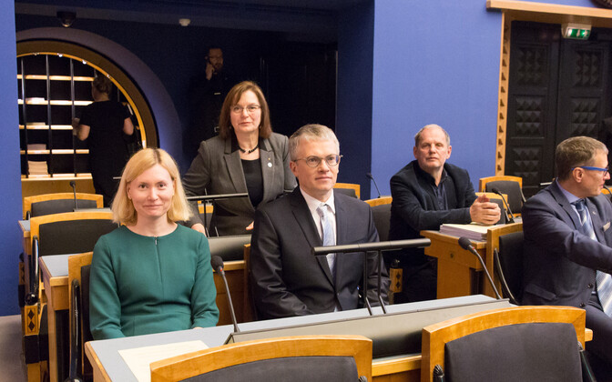 Sikkut and Mäggi in the Riigikogu, May 2, 2018.