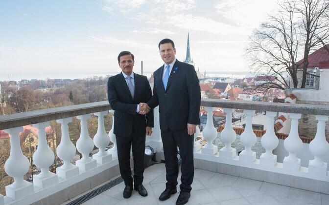 Юри Ратас и министр экономики ОАЭ Султан бен Саид Аль Мансури.