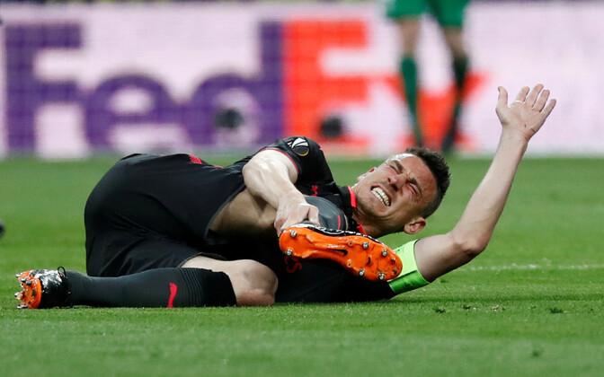 Laurent Koscielny sai Euroopa liiga poolfinaalmängus vigastada.