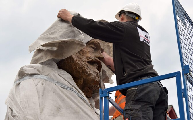 Unveiling a new statue of Karl Marx in Trier, Germany, on May 4, 2018.