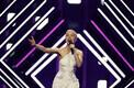 Suurbritannia laulja SuRie esitab võistluslaulu