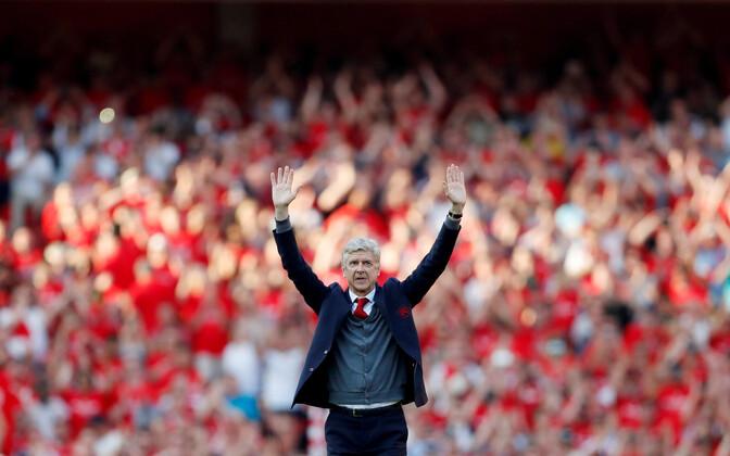Arsene Wenger enda viimasel Arsenali kodumängul.
