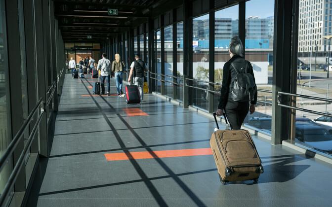 Rändurid Tallinna lennujaamas