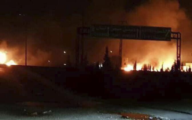 Süüria riikliku agentuuri SANA foto raketirünnaku tagajärgedest.