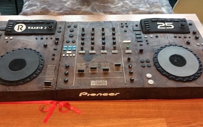 R2 25 sünnipäevatort (raadio DJ-pult)