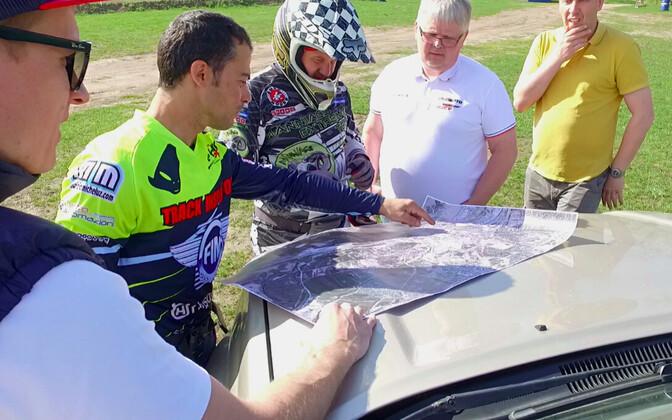 Maurizio Micheluz koos Tallinna GP korraldustiimiga.