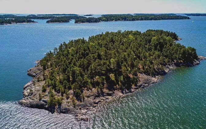 SuperShe Island Soome lahes.