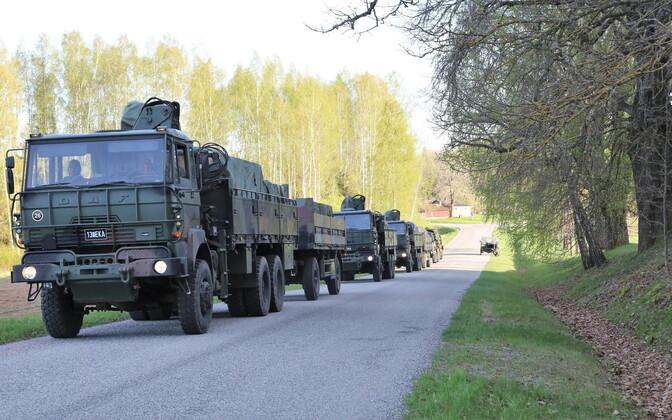 Колонна военной техники.