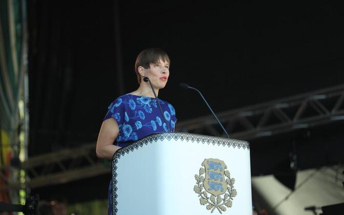 Президент Эстонии Керсти Кальюлайд на площади Вабадузе.