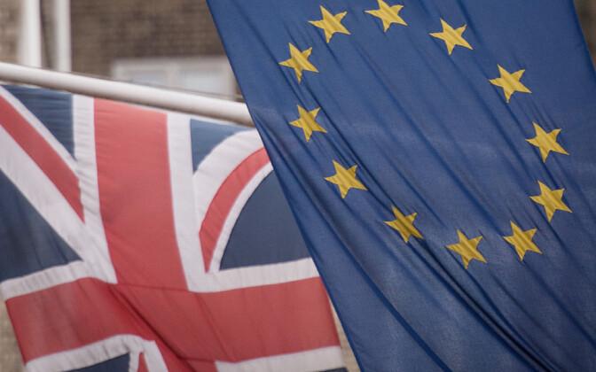Briti ja Euroopa Liidu lipp.