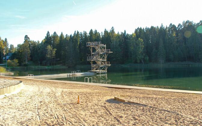 Vanamõisa järv Tõrvas, arhiivifoto.