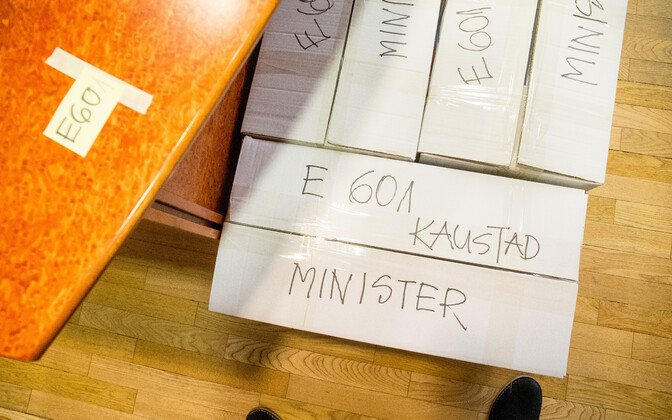 The foundation believes that Estonia needs no more than ten different ministers.