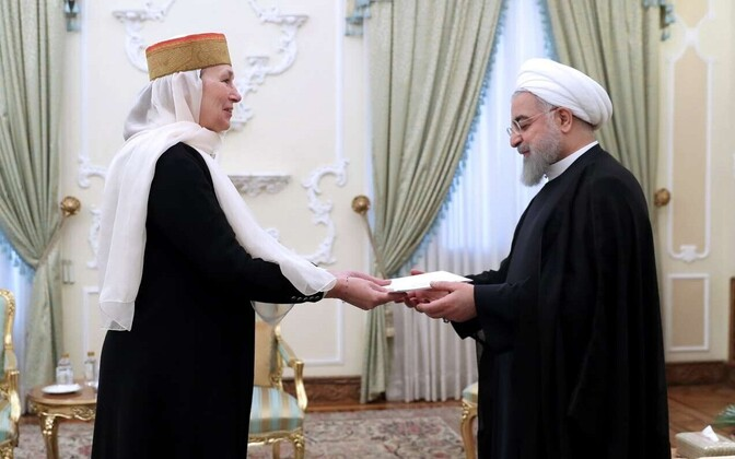 Estonian Ambassador Marin Mõttus presenting her credentials to Iranian Vice Minister of Foreign Affairs Morteza Sarmadi in Tehran on Tuesday. May 15, 2018.