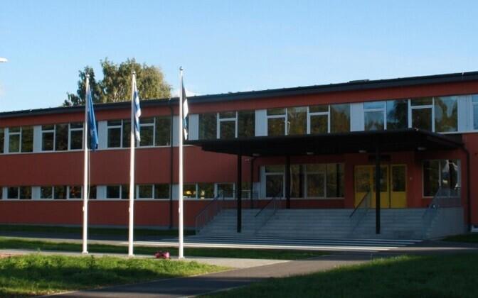 Эхтеская гимназия сдаст часть своей крыши за 200 евро в месяц.