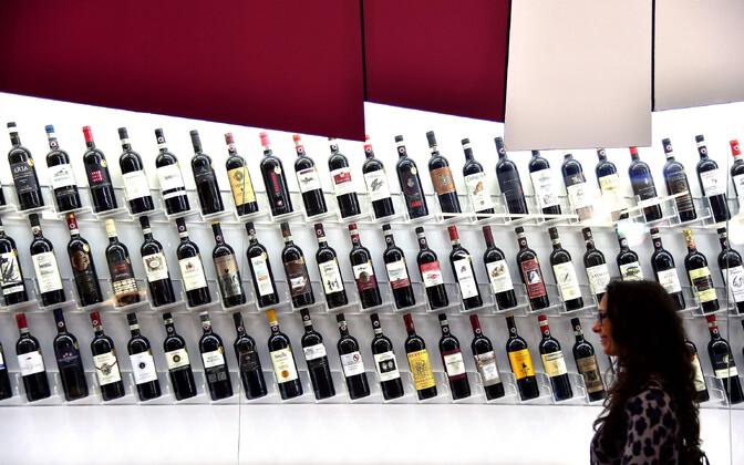 Veininäitus Itaalias.