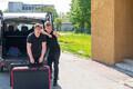 Johannes ja Tanel transportimas marimbat Paide Muusikakooli saali