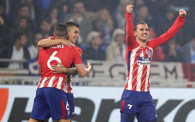 Испанский клуб одержал в финале уверенную победу: Гризманн (справа) сделал дубль.