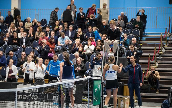 Suurbritannia esinumber Johanna Konta ja Anett Kontaveit Tallinnas peetud Fed Cupi turniiril.