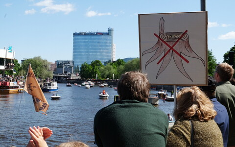 Protest in support of protecting the Emajõgi River in Tartu on Saturday. May 19, 2018.