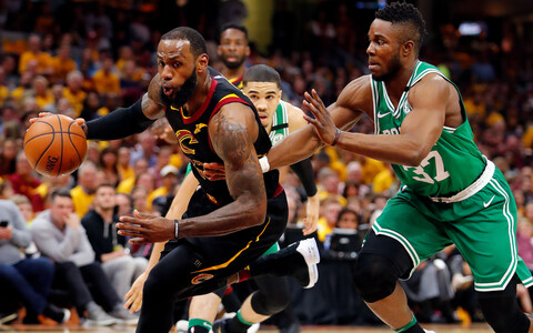 LeBron James ja Semi Ojeleye