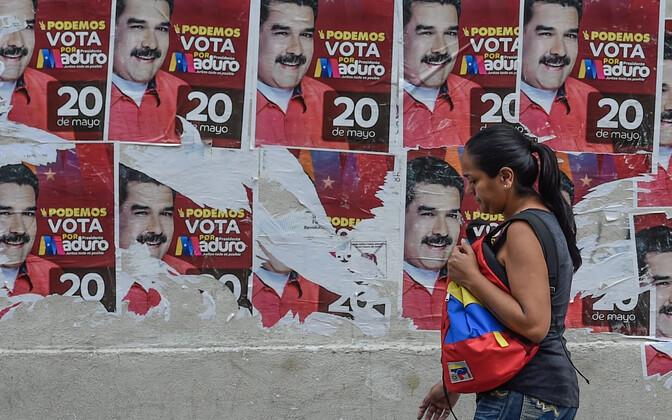 Valimisplakatid Caracase tänaval.