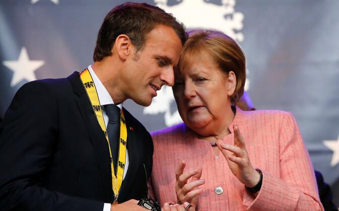 Emmanuel Macron ja Angela Merkel Aachenis, kus Prantsuse president Kalr Suure preemia sai.