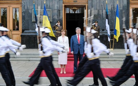 Kersti Kaljulaid with President Poroshenko of Ukraine