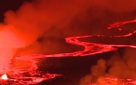 Потоки лавы на Гавайях.