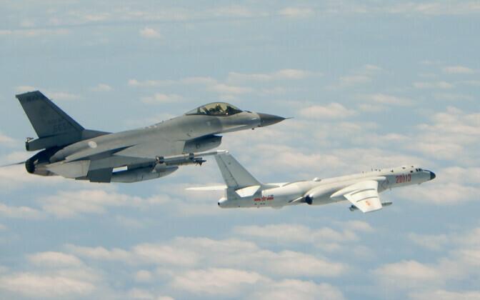 Taiwani hävituslennuk F-16 ja Hiina Rahvavabariigi pommituslennuk H-6K 11. mail.