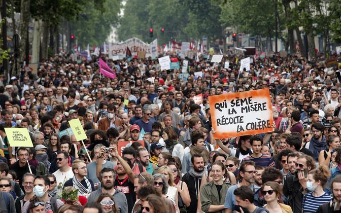 Prantslased avaldasid meelt presidendi reformiplaani vastu.
