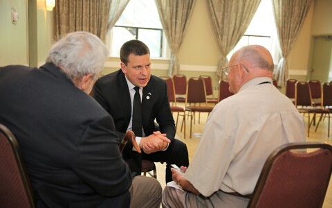 Ratas also visited with representatives of the Estonian community in Canada.