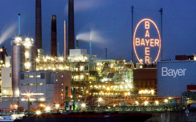 Üks allikas ütles Reuterisle, et valulikke tagasilööke tunneb tervishoiusektor. Pildil Saksa ravimitootja Bayeri tehas.