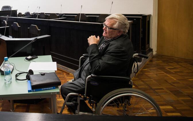 Эдгар Сависаар в зале суда.