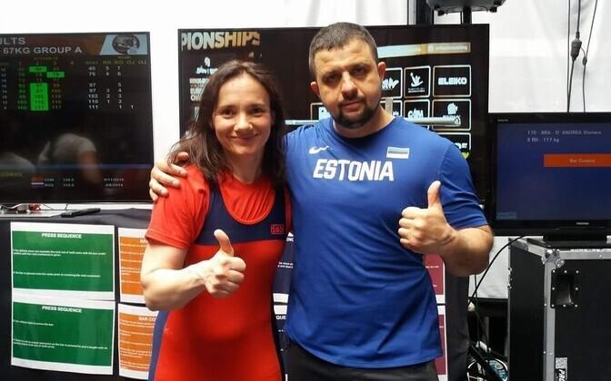 Jelena Pipper koos treener Maksim Ignatenkoga peale võistlust soojendusalal