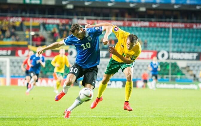 Фрагмент матча Эстония-Литва в рамках отборочного цикла ЧЕ-2016.