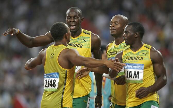 Asafa Powell, Usain Bolt, Michael Fraser ja Nesta Carter