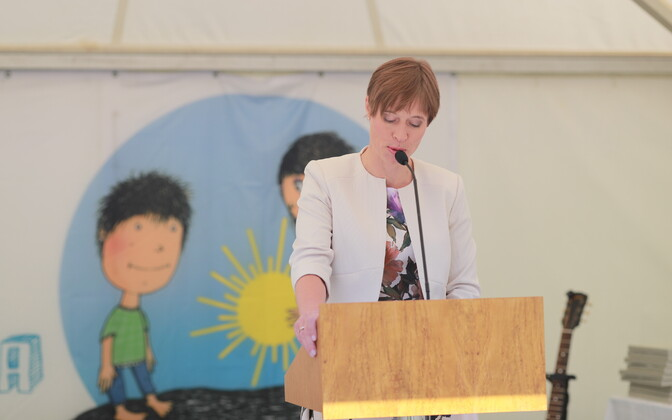 President Kersti Kaljulaid delivering a speech on Children's Day in 2018.