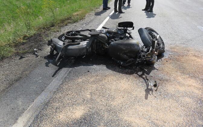В Рапламаа погиб мотоциклист