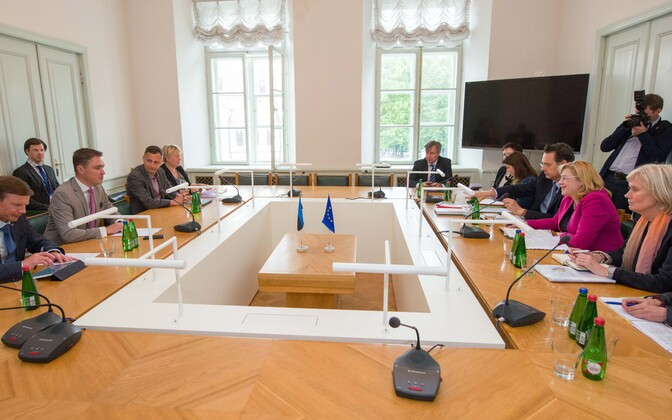 The Finance Committee of the Riigikogu meeting with European Commissioner for Regional Policy Corina Creţu in Tallinn on Tuesday. 5 June, 2018.