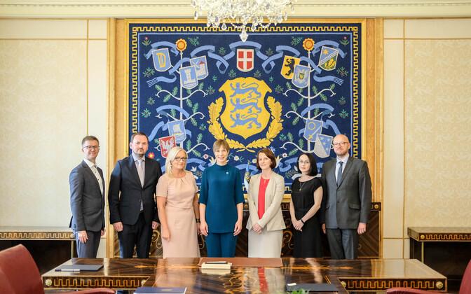 President Kersti Kaljulaid nimetas ametisse viis uut kohtunikku.
